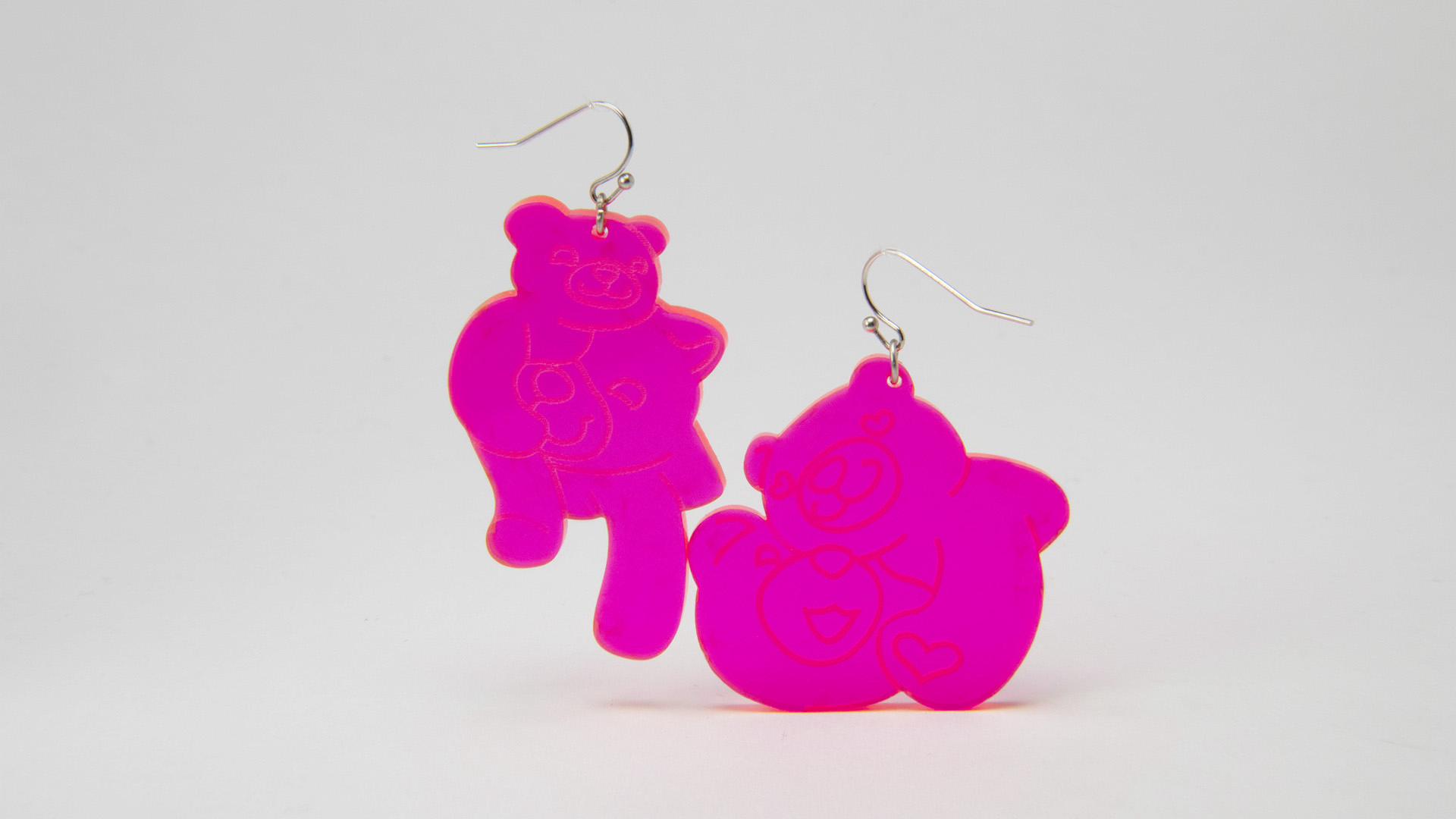 Megan Diamond, Bear Earrings Pink