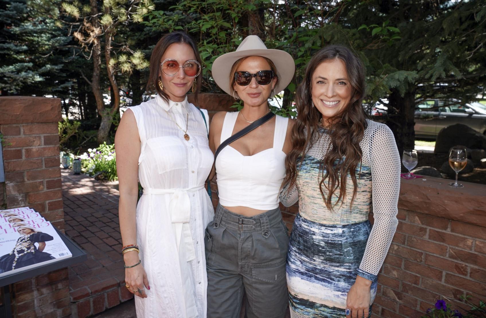 Ashlee Harrison, Evelyn Menin and Ashley Wein.