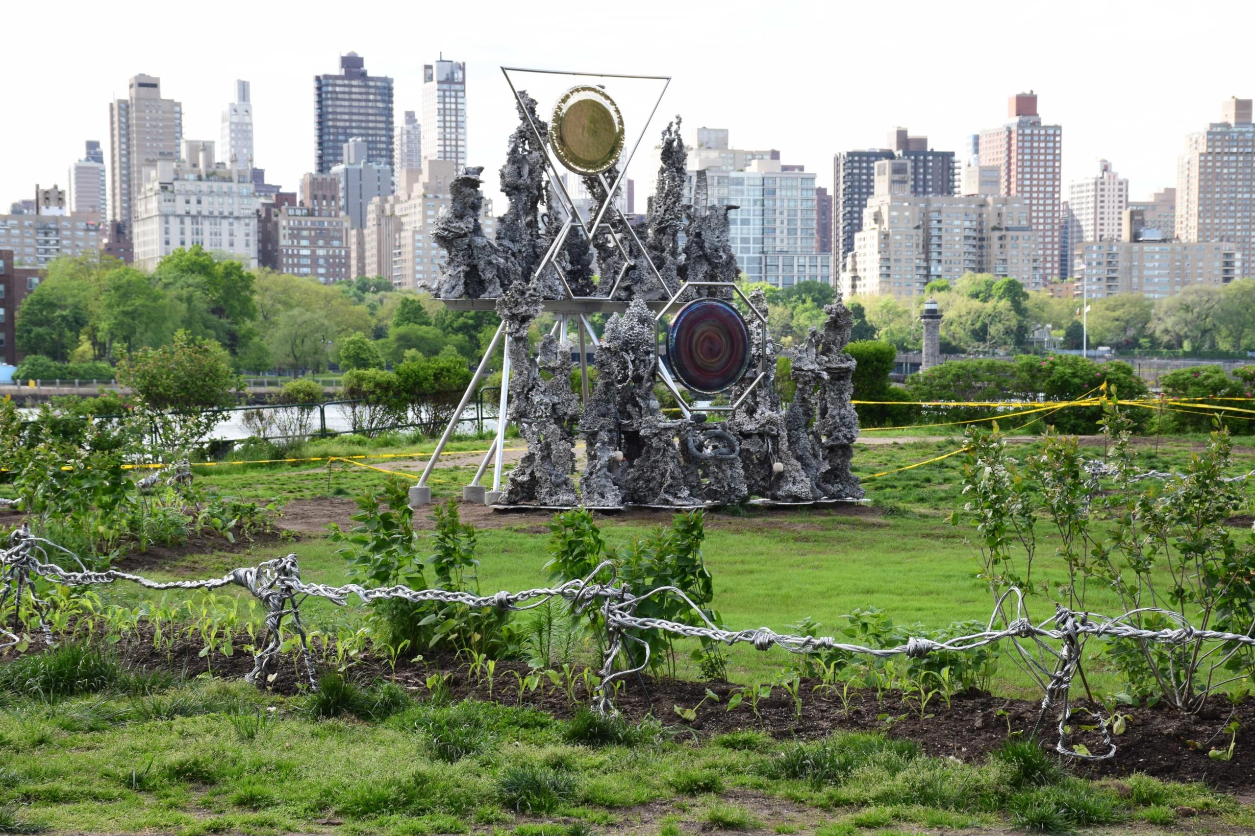 temporary art installations socrates sculpture park